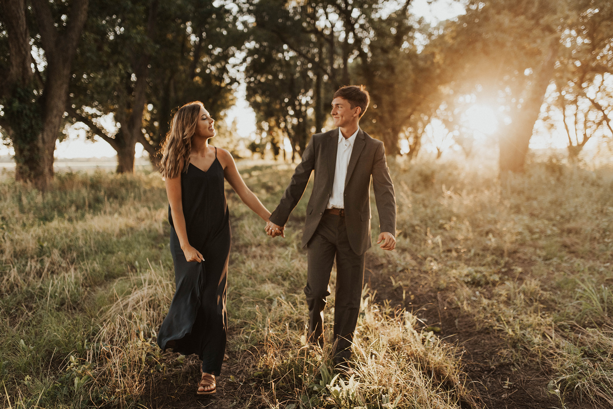 Golden Hour Engagement Session in Arkansas Taryn Lynn Photography12