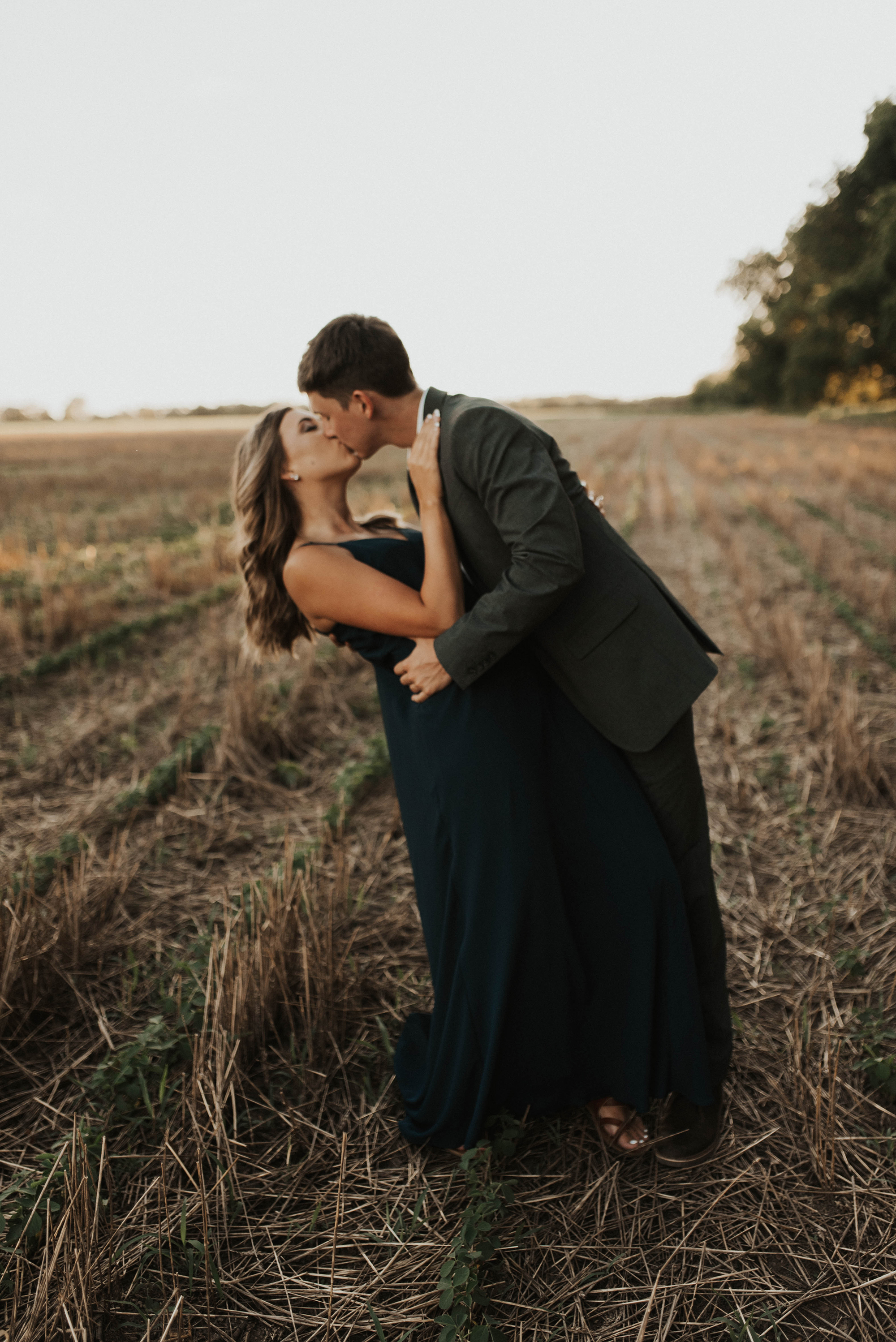 Golden Hour Engagement Session in Arkansas Taryn Lynn Photography13