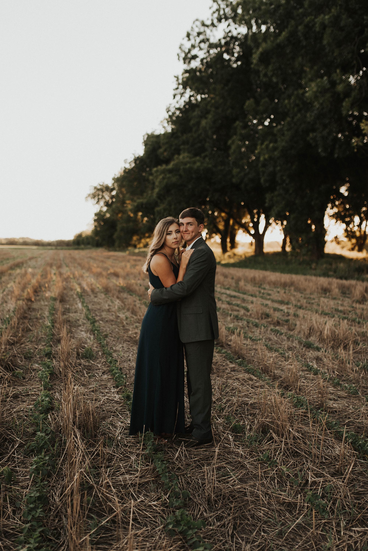 Golden Hour Engagement Session in Arkansas Taryn Lynn Photography14