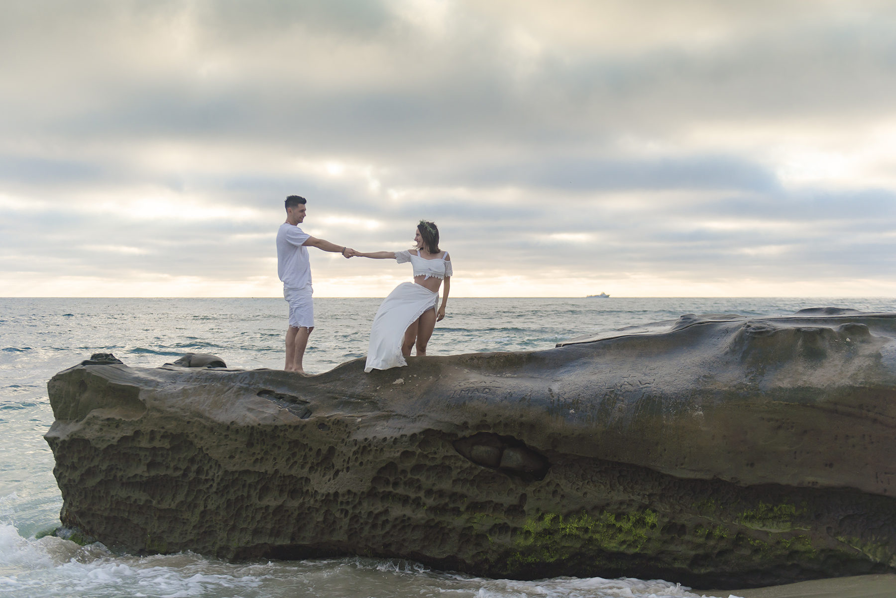 Romantic Beach Sunset Engagement Session Victoria Parker Photography09