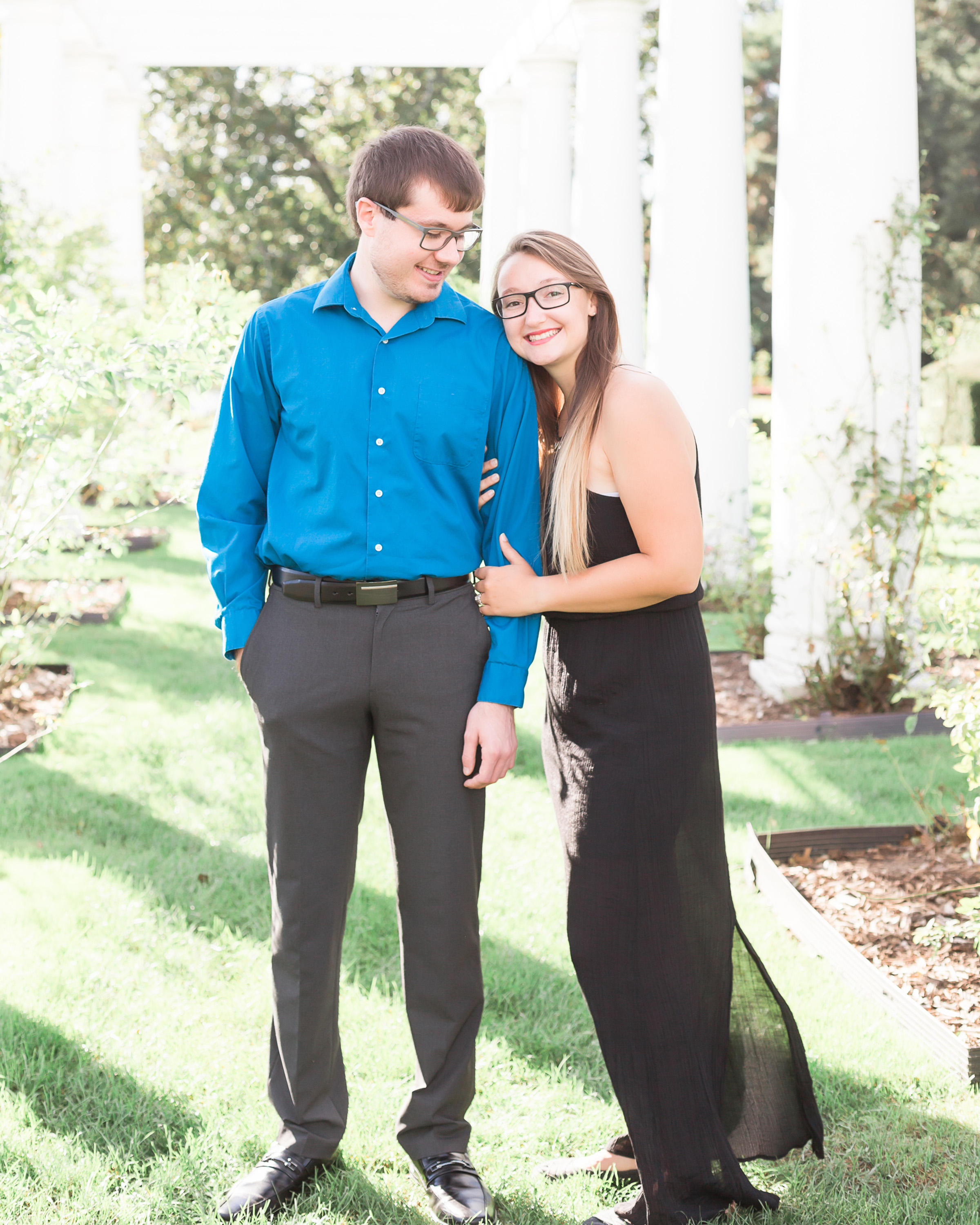 Cheerful Outdoor Fall Engagement Session Simply Seeking Photography02
