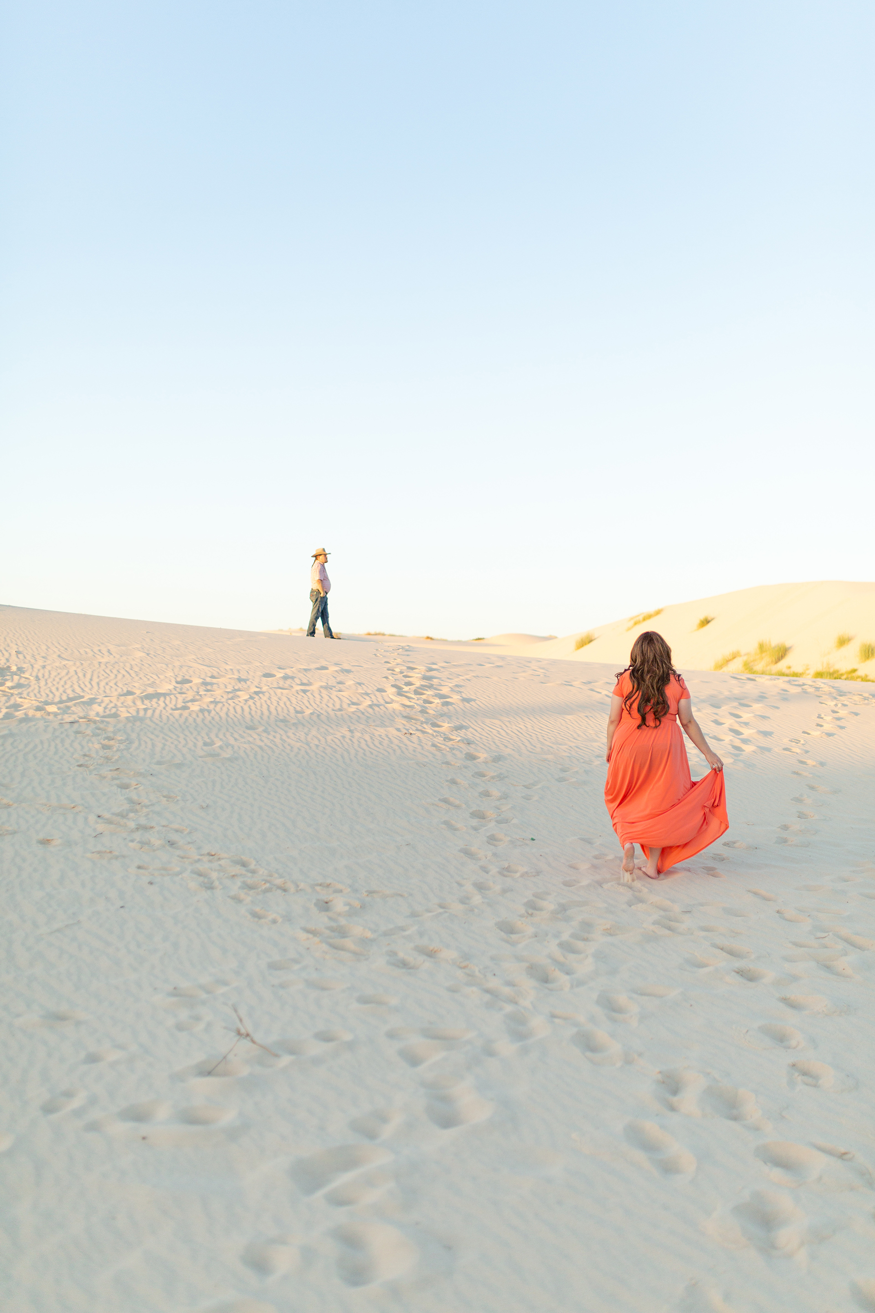 Adventurous Sand Dunes Engagement Session in Texas My Guiding Light Photography08