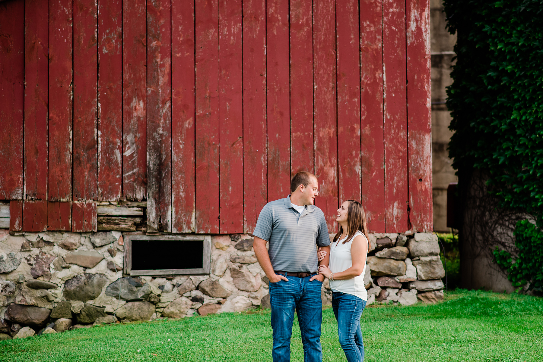 Farmstead Wisconsin Engagement Session Ruxin John Photography07