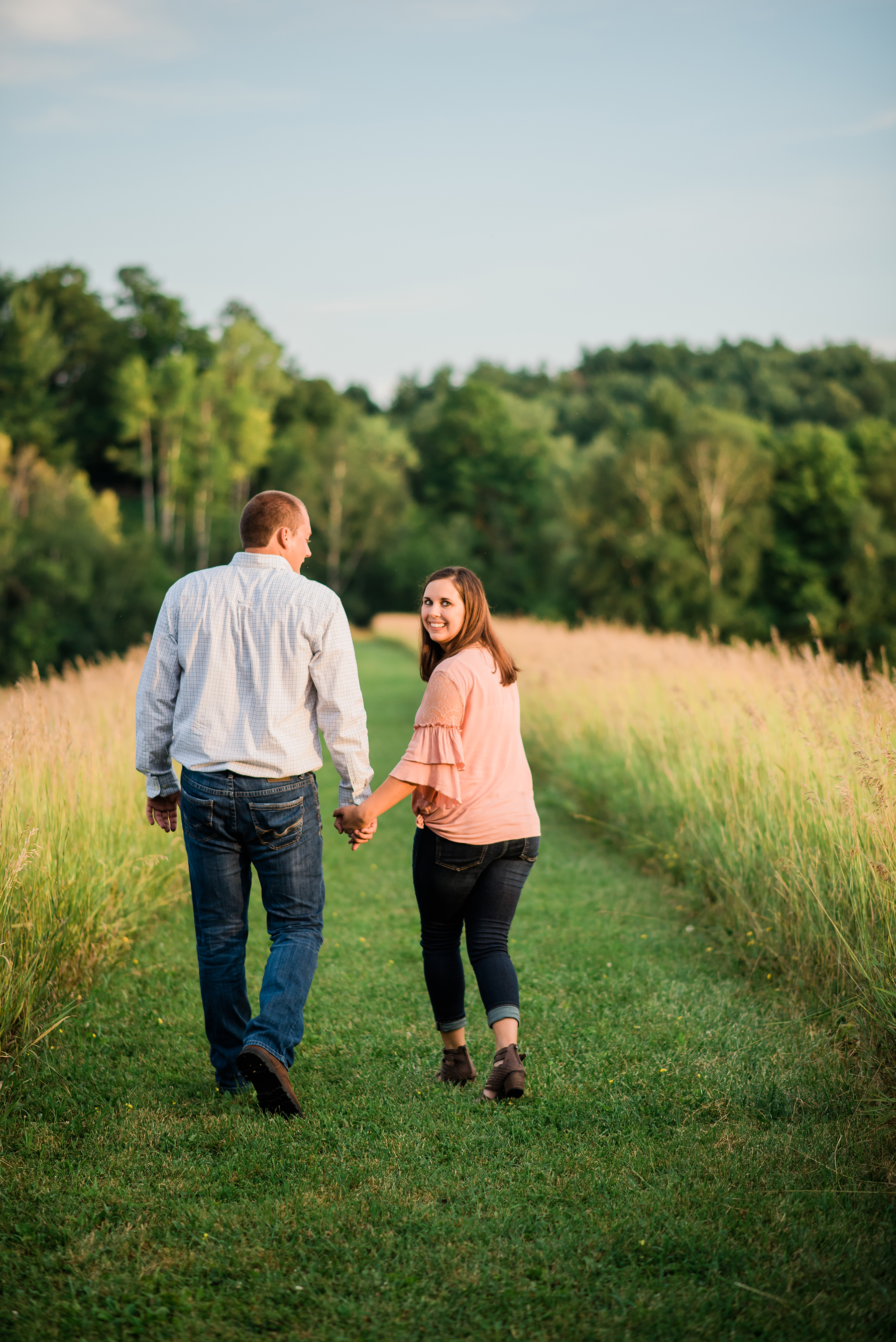 Farmstead Wisconsin Engagement Session Ruxin John Photography12