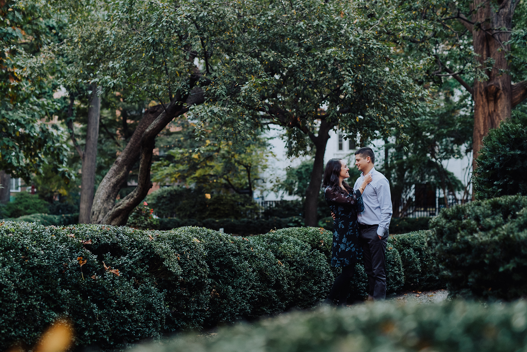 Intimate Gramercy Park Engagement Session in New York City Josie V Photography08