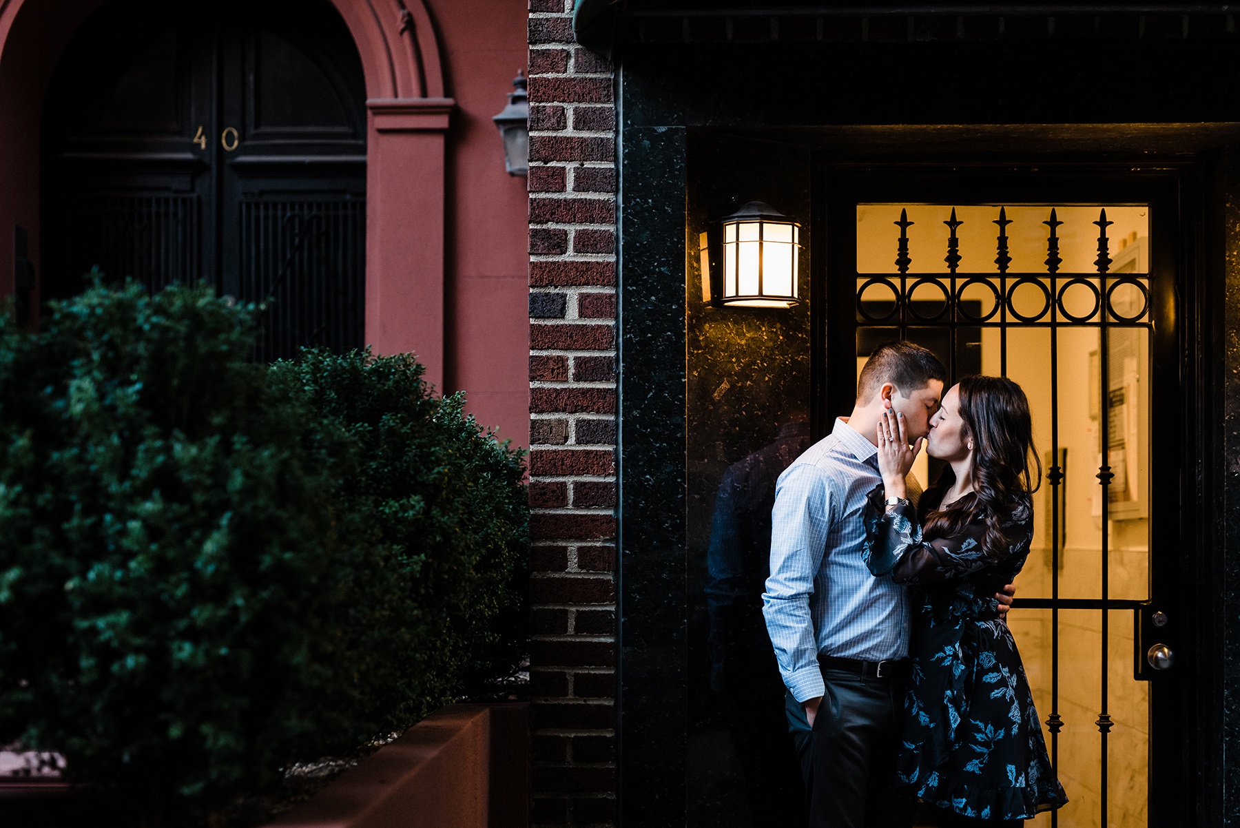 Intimate Gramercy Park Engagement Session in New York City Josie V Photography11