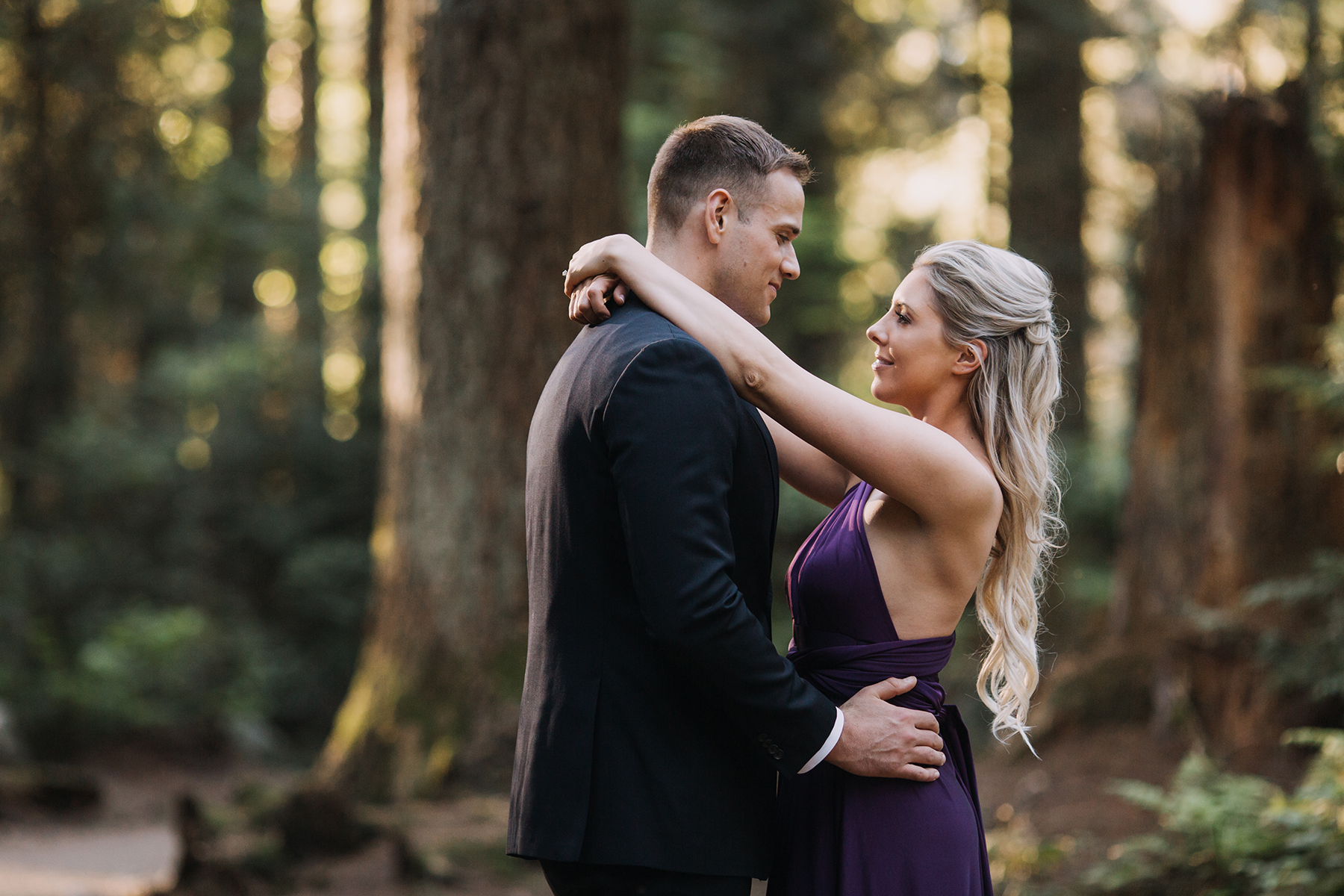 Woodsy and Coastal Engagement Session in Vancouver Karizma Photography02