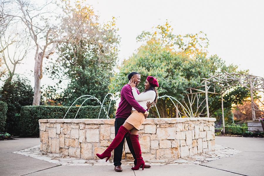 Stylish Dallas Arboretum Engagement Session The Grace Pictures07