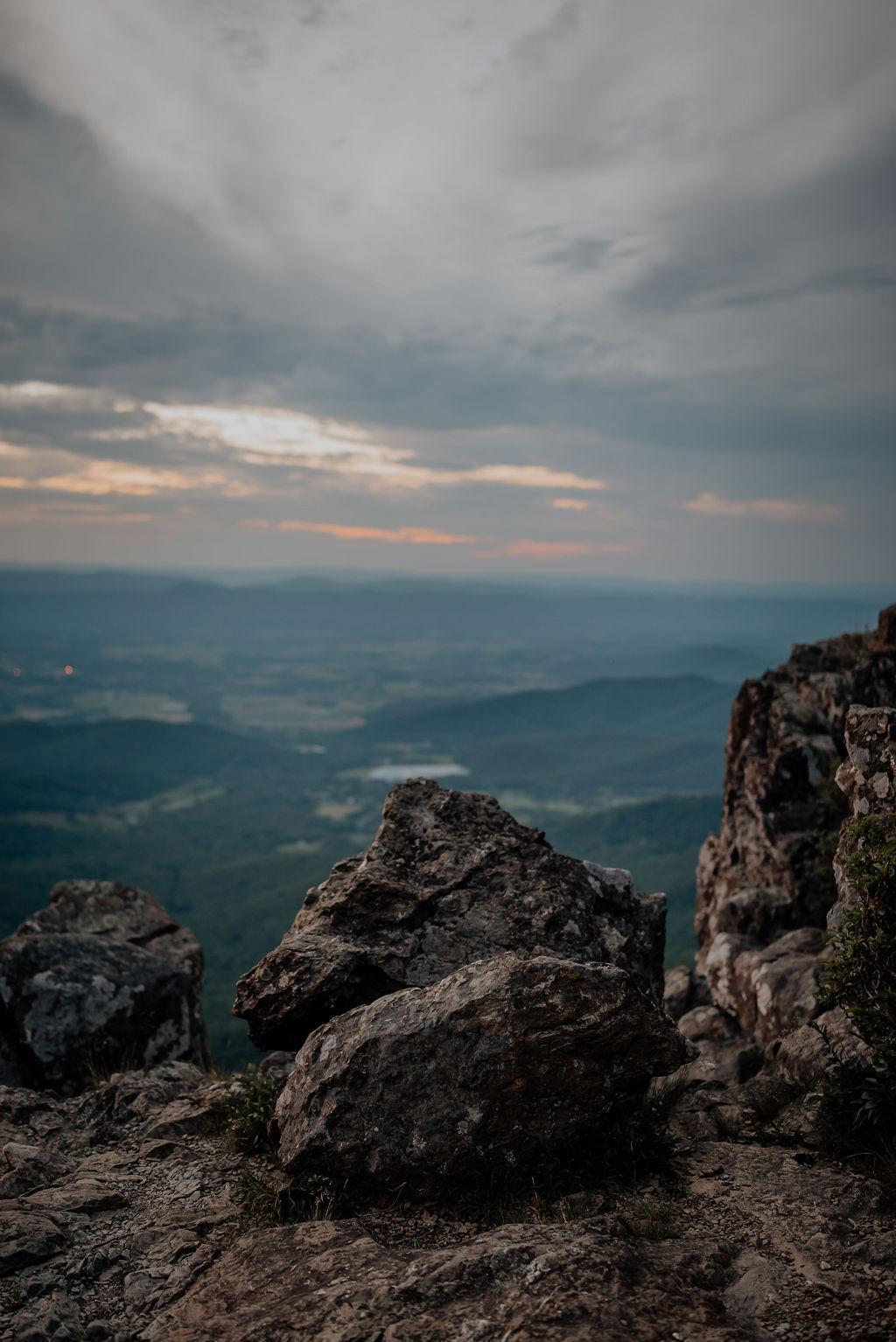 Jess-and-Amir_Shenandoah-AdventureSession-Flit-Photography-181-min